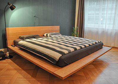 Bett aus Holz, Schreinerei Sarbach AG Frutigen