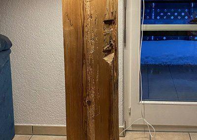 Stehlampe aus Holz, Schreinerei Sarbach AG Frutigen